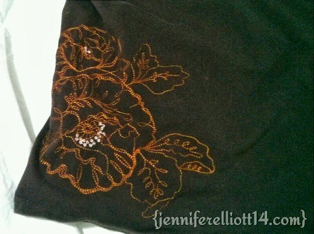 EMBROIDERY PATTERN BY THE WAIST.