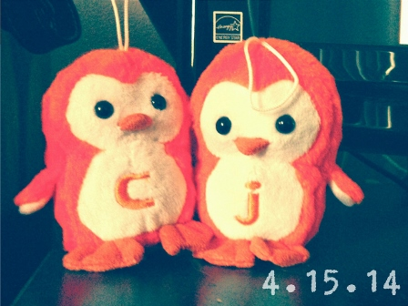 I FOUND THESE SUPER CUTE PENGUINS ON CHRISTMAS CLEARANCE. ORIGINALLY PRICED $2.99, I THINK I NABBED THEM FOR 75 CENTS.